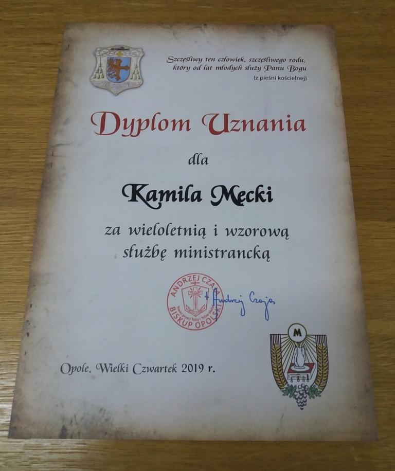 Obrazek posiada pusty atrybut alt; plik o nazwie dyplom-uznania.jpg
